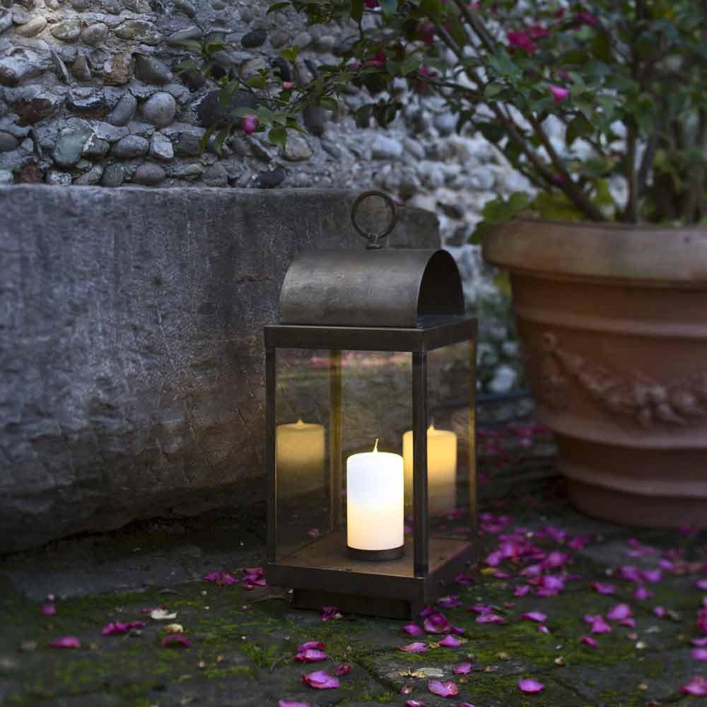 Lanterne de jardin avec bougie en fer ou laiton il fanale - Lanterne esterno ...