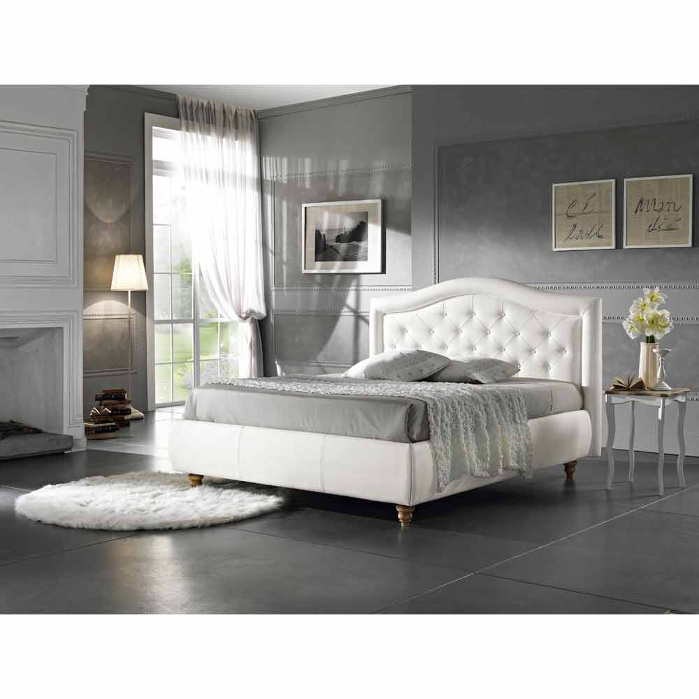 lit double rembourr en faux cuir avec coffre 160x190 200 cm agly. Black Bedroom Furniture Sets. Home Design Ideas