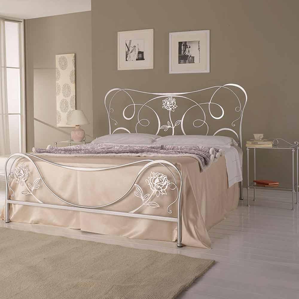 lit double en fer forg nefertiti fait la main en italie. Black Bedroom Furniture Sets. Home Design Ideas
