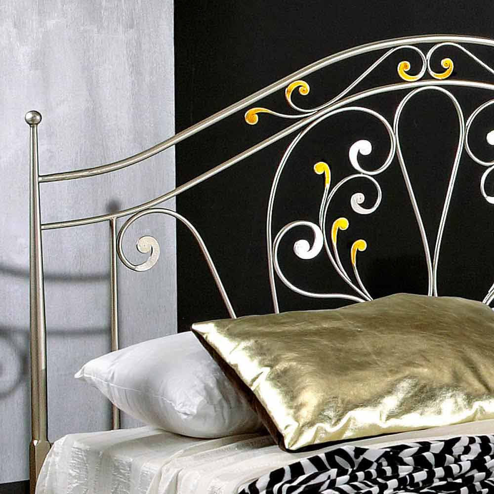 lit double n oclassique en fer plein forg la main jessica. Black Bedroom Furniture Sets. Home Design Ideas