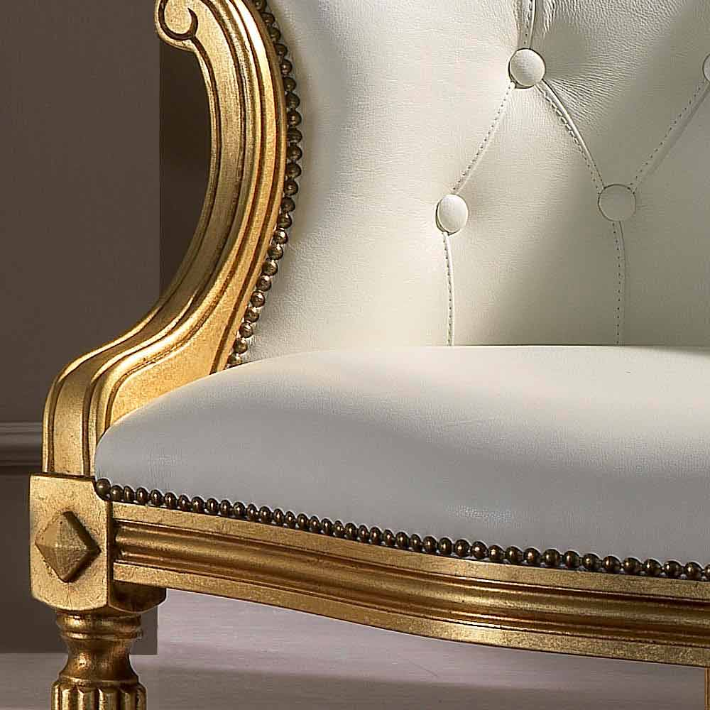 fauteuil italien en cuir blanc de style classique casanova. Black Bedroom Furniture Sets. Home Design Ideas