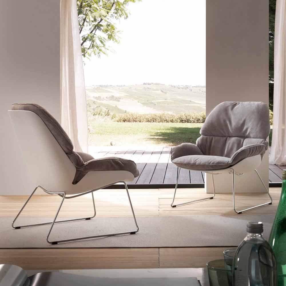 fauteuil betulla en polypropyl ne blanc et coussin gris. Black Bedroom Furniture Sets. Home Design Ideas