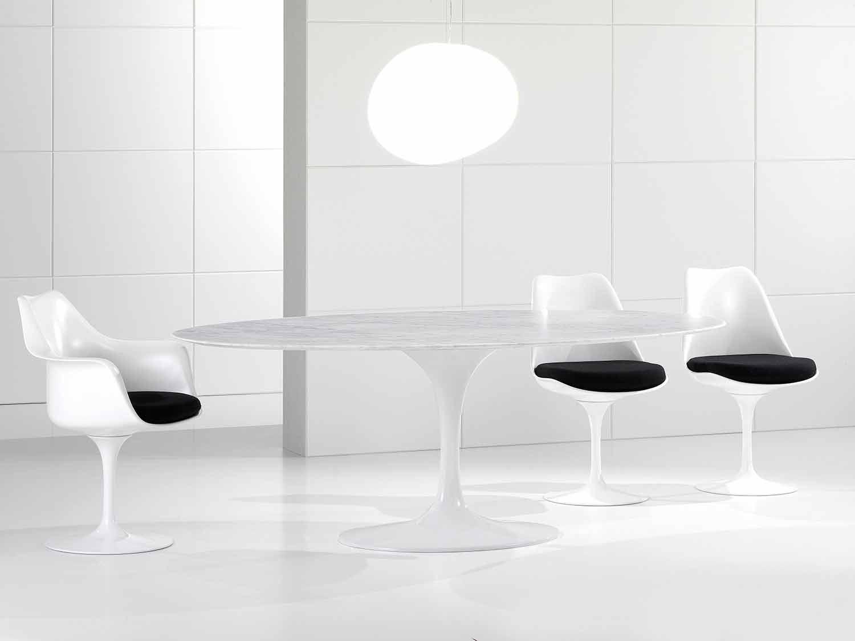 Table Ovale De Haute Qualite En Marbre Cararra Made In Italy
