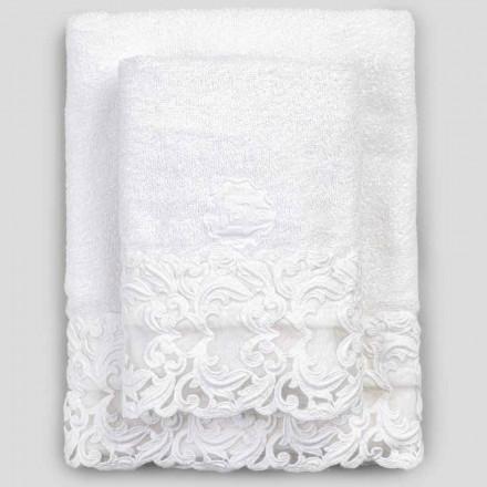 Serviettes en éponge de coton blanc avec dentelle, 2 pièces de luxe italien - Sposi