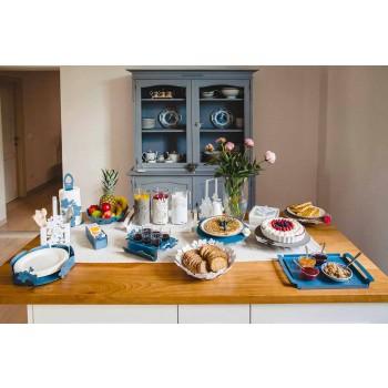 Centre de table avec des fleurs en fer de boue, blanc ou bleu - Marken