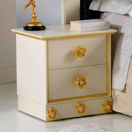 Table de nuit en bois 2 tiroirs avec boutons  en forme de rose