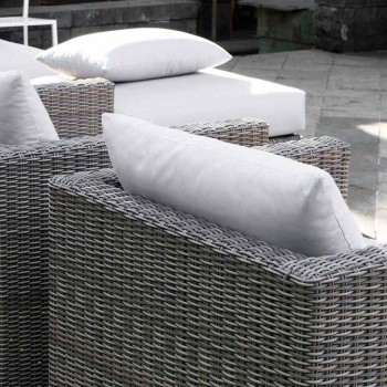 Composition Terrasse extérieure avec structure tissée à la main Rita