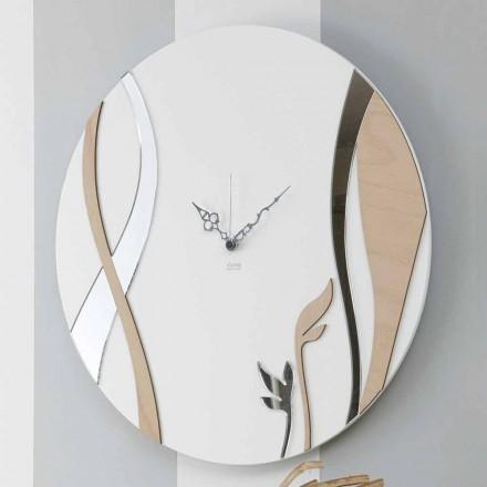 Horloge murale moderne et ronde avec un design en bois décoré - Harmony
