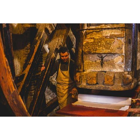 Pièce unique d'art italien de coureur de chanvre peint à la main - Marques