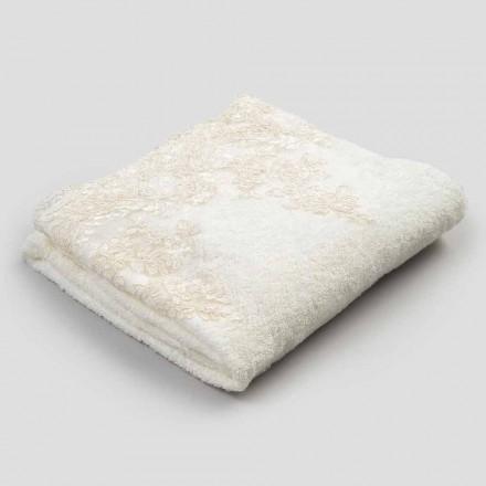 Serviette de bain en éponge de coton avec bordure en mélange de lin et dentelle - Ginova