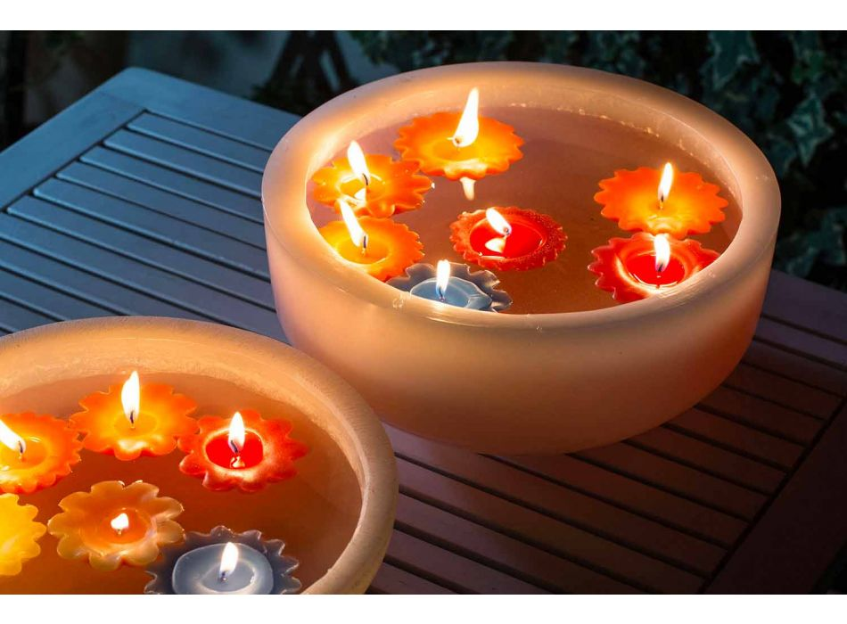 Baignoire ronde en cire avec bougies flottantes colorées Made in Italy - Utina